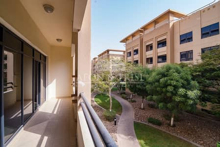 3 Bedroom Apartment for Sale in The Greens, Dubai - Garden view 3 Bed p laundry area Al Ghaf