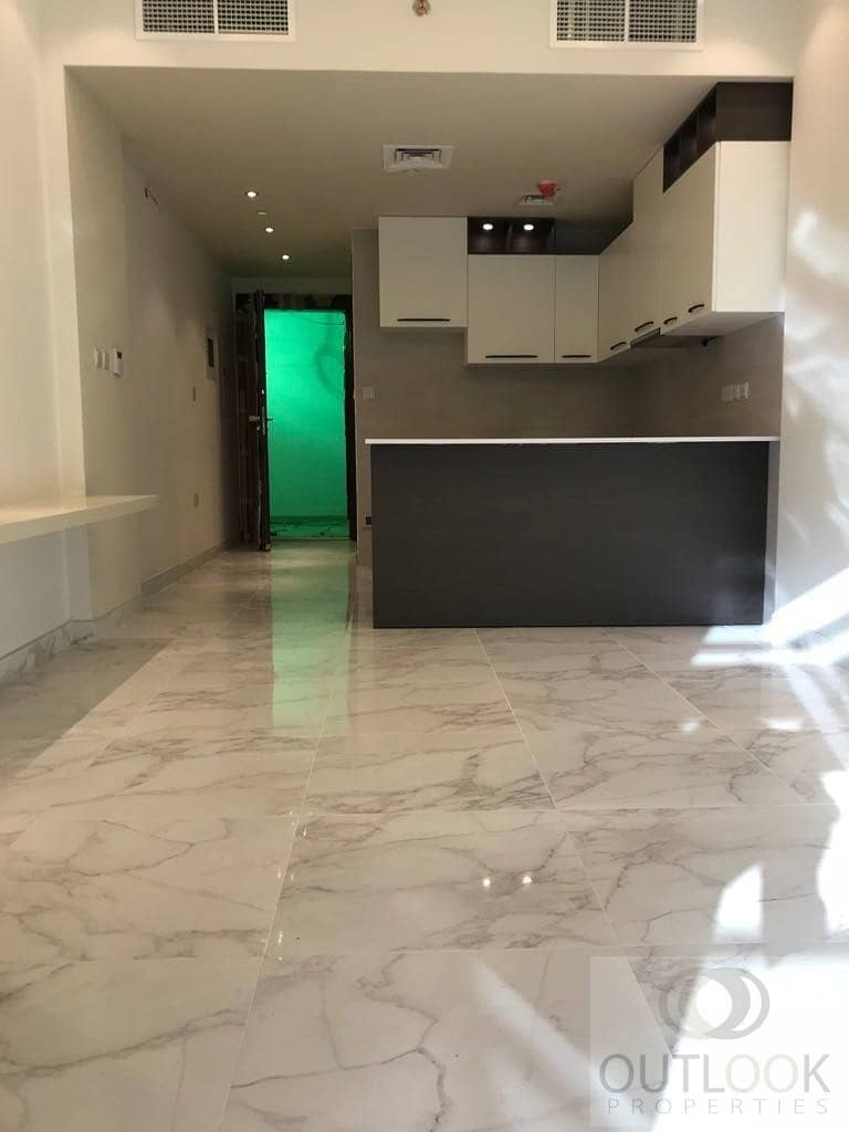 2 2 Bedroom for Rent   No Commission   Pool & Gym