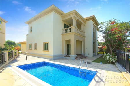 4 Bedroom Villa for Rent in Jumeirah Islands, Dubai - Four Bedrooms | Lake View | Negotiable