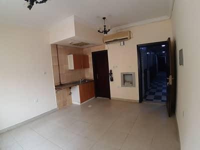 استوديو  للايجار في النباعة، الشارقة - شقة في النباعة 10000 درهم - 4318171