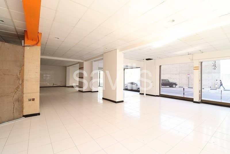 2 Main Road Retail Space Available in Al Mujarrah