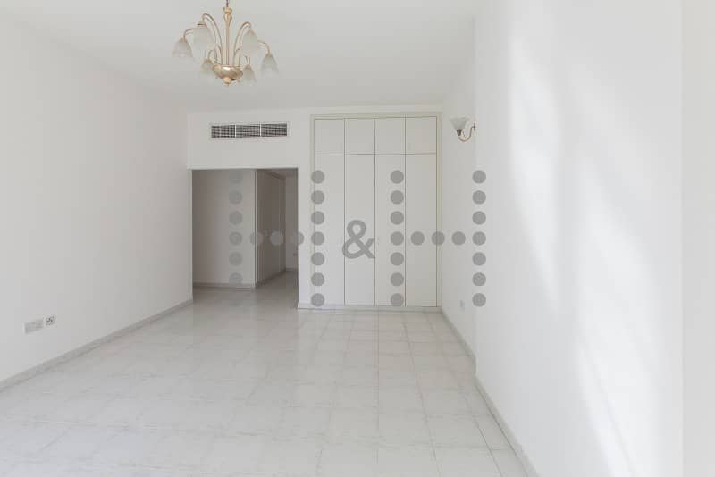 2 Spacious Chiller Free Units in Heart of Deira