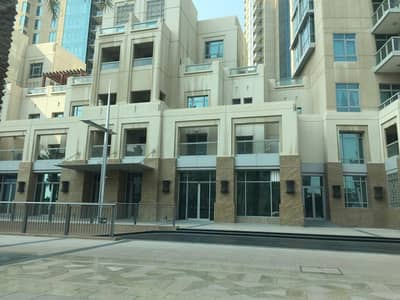 3 Bedroom Villa for Rent in Downtown Dubai, Dubai - exclusive deal fully furnished 3+maid bedrm villas