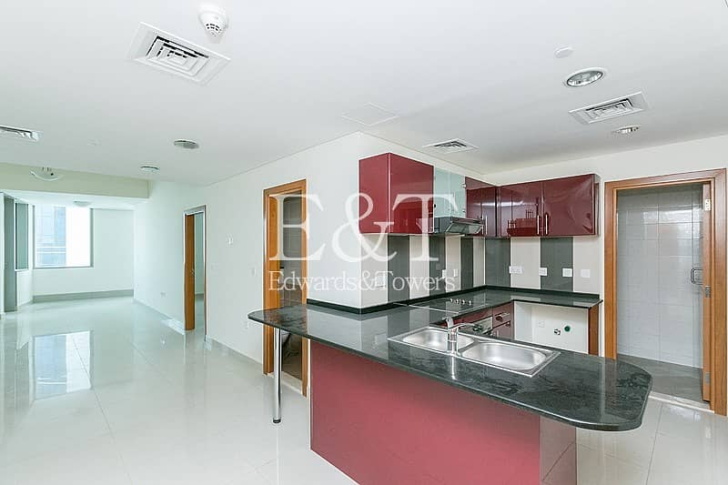 2 Vacant on Middle Floor with Partial Sea View