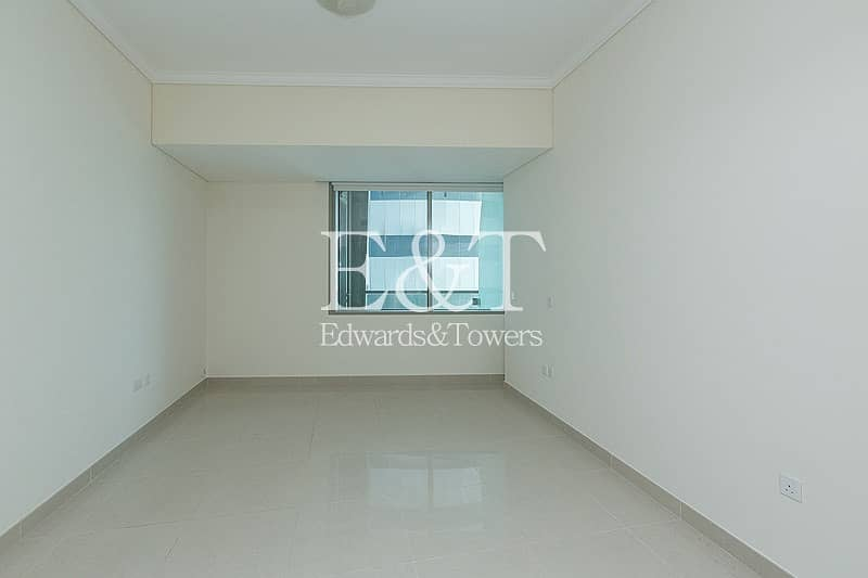 Vacant on Middle Floor with Partial Sea View