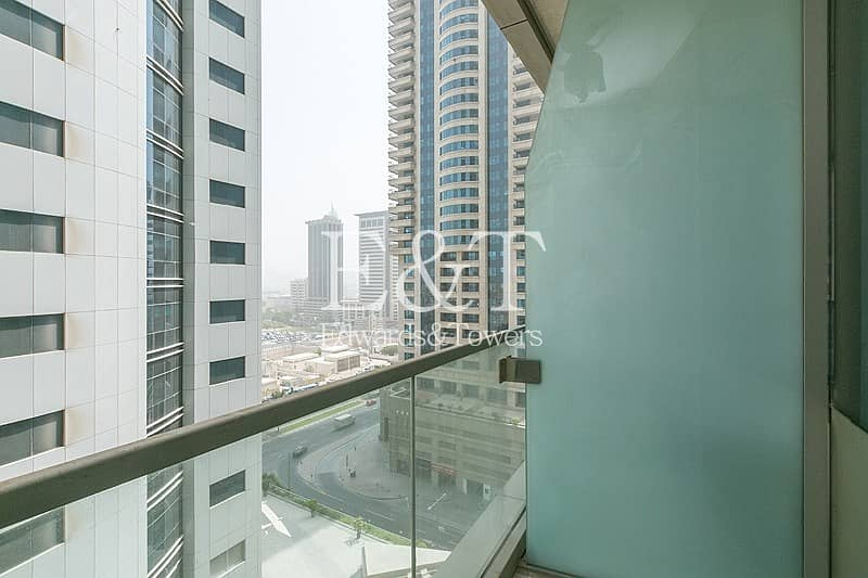22 Vacant on Middle Floor with Partial Sea View