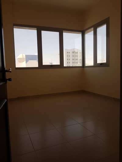2 Bedroom Flat for Rent in Al Nahyan, Abu Dhabi - Specious 2 Bed room flat with big living area and 2 full baths