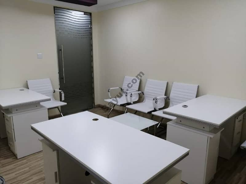 CO- WORKING OFFICE IN A VERY LOW PRICED PER YEAR WITH CONTRACT