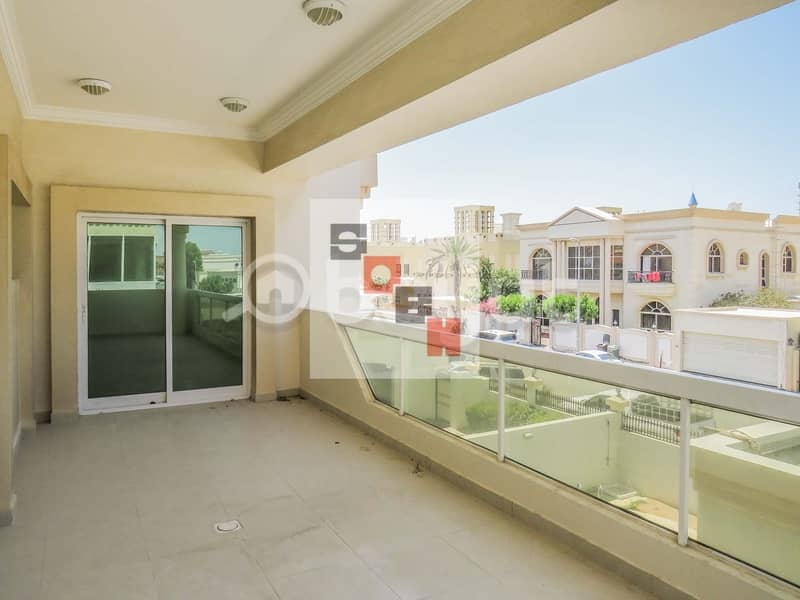 15 Amazing 4 bedroom villa with private garden and swimming pool located in Jumeirah 3.