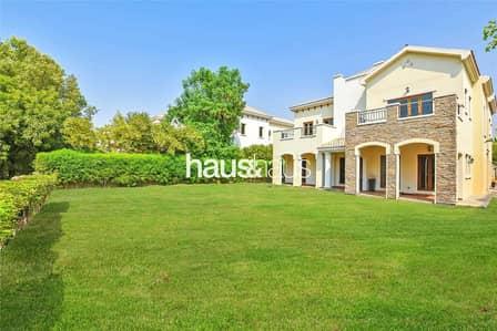 5 Bedroom Villa for Sale in Jumeirah Golf Estate, Dubai - Upgraded kitchen | Golf Course view | Big plot