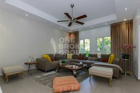 3 Bedroom Villa for Rent in The Lakes, Dubai - Fully Upgraded | Single Row | Near Pool |