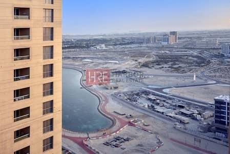 استوديو  للايجار في مدينة دبي للإنتاج، دبي - Lake View | Bright Studio |Balcony | IMPZ
