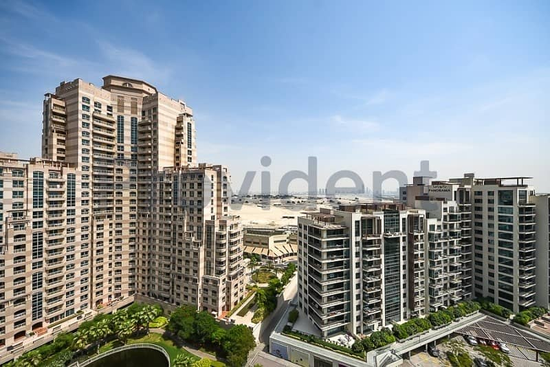 15 Upgraded 2 Beds | Full Canal View | Corner Unit