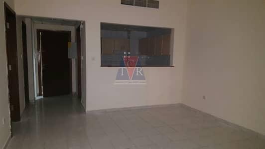 شقة 1 غرفة نوم للايجار في المدينة العالمية، دبي - Well Maintained One Bedroom Apartment for rent in England Cluster