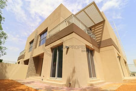 4 Bedroom Villa for Sale in Dubai Silicon Oasis, Dubai - Opp. Pool | Phase 3 I Rare Layout I Single Row