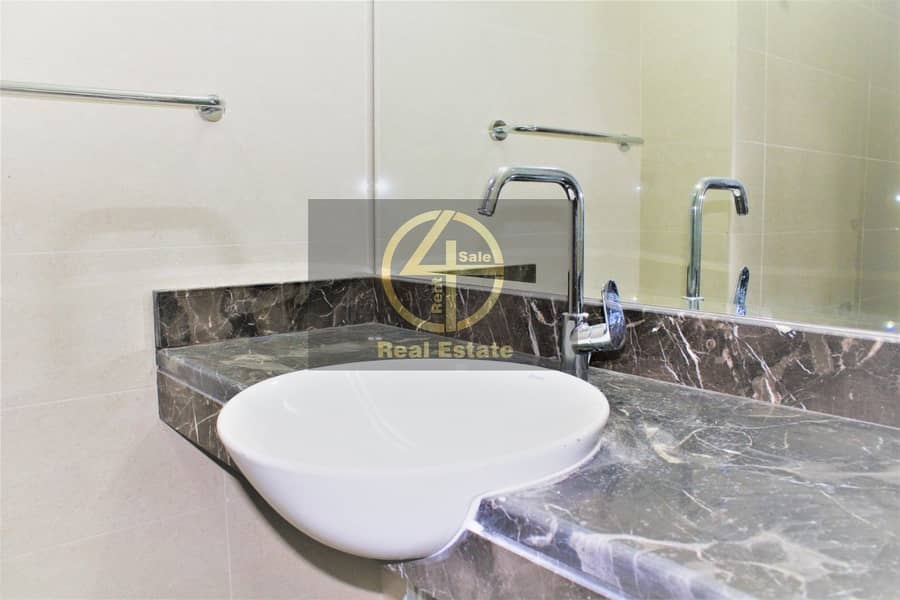 20 Legend 3 BR + Swimming Pool+ Gym + Maid's Apartment