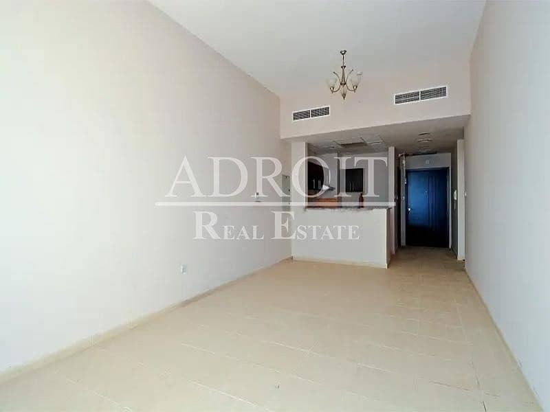 6 Chqs | Best Price | Spacious 1BR Apt in Queue Point !