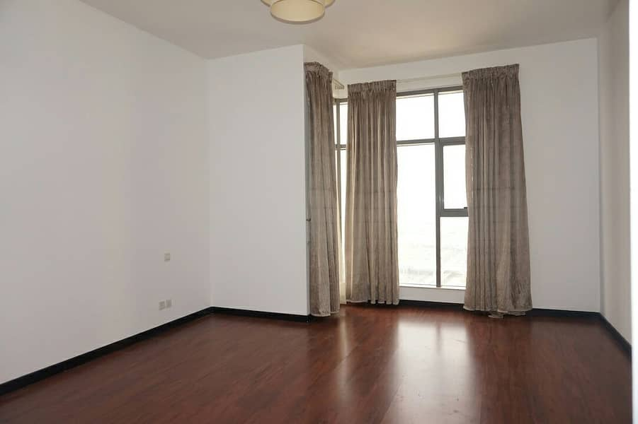 Stunning 1 Bed Room In Green Lakes for SALE