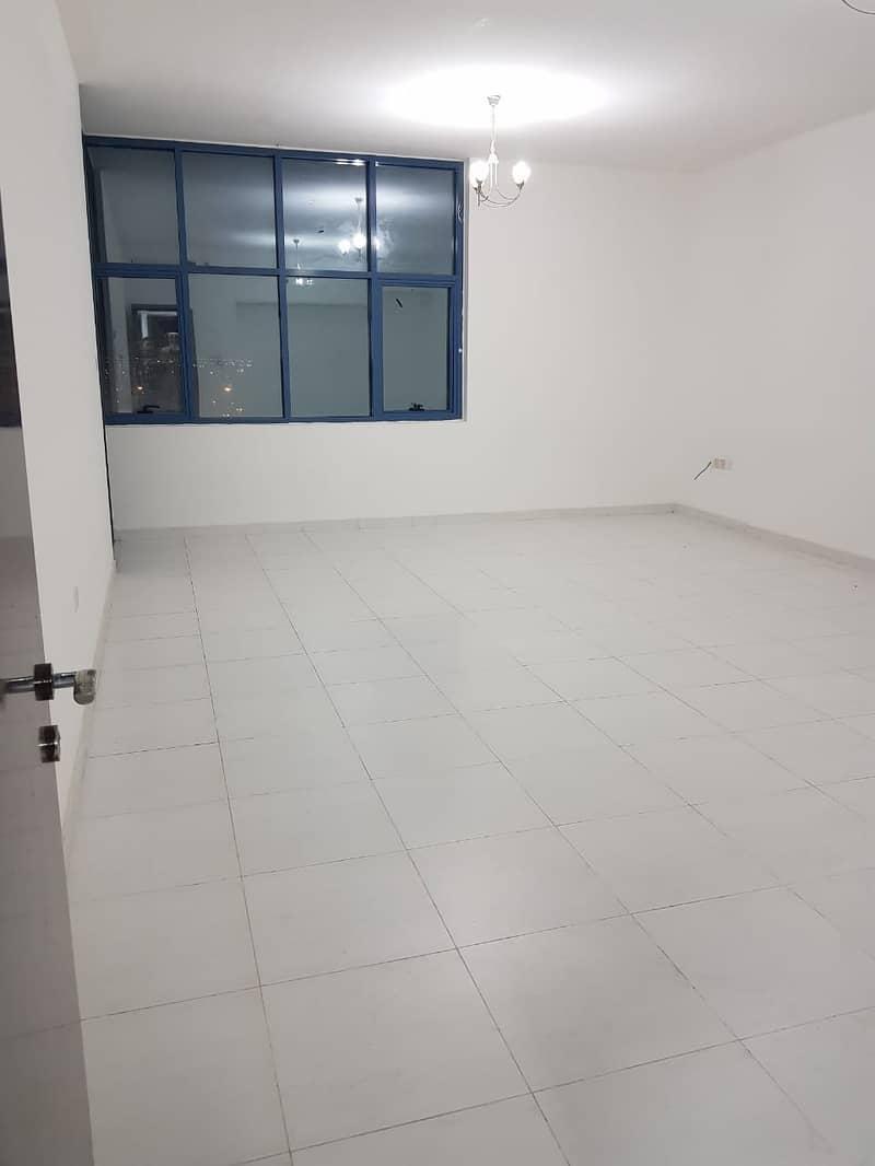 شقة في برج الصقر عجمان وسط المدينة 2 غرف 28000 درهم - 4323694