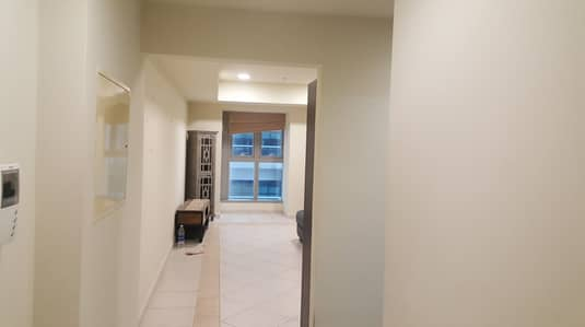 1 Bedroom Flat for Rent in Dubai Marina, Dubai - Unfurnished | Partial Sea View | Mid Floor.