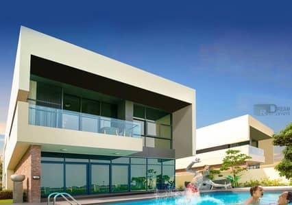 5 Bedroom Villa for Sale in Umm Suqeim, Dubai - Standalone villa ready to move 5-Bd directly on golf