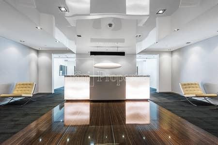 طابق تجاري  للايجار في الخليج التجاري، دبي - Luxurious Full Floor with High Quality Fit Out