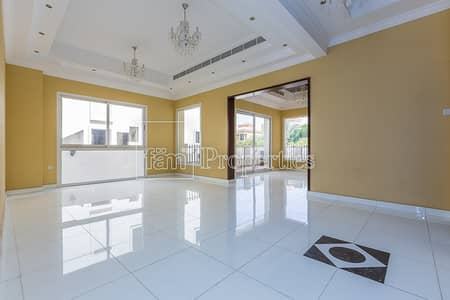 4 Bedroom Villa for Rent in The Villa, Dubai - Hi-tech
