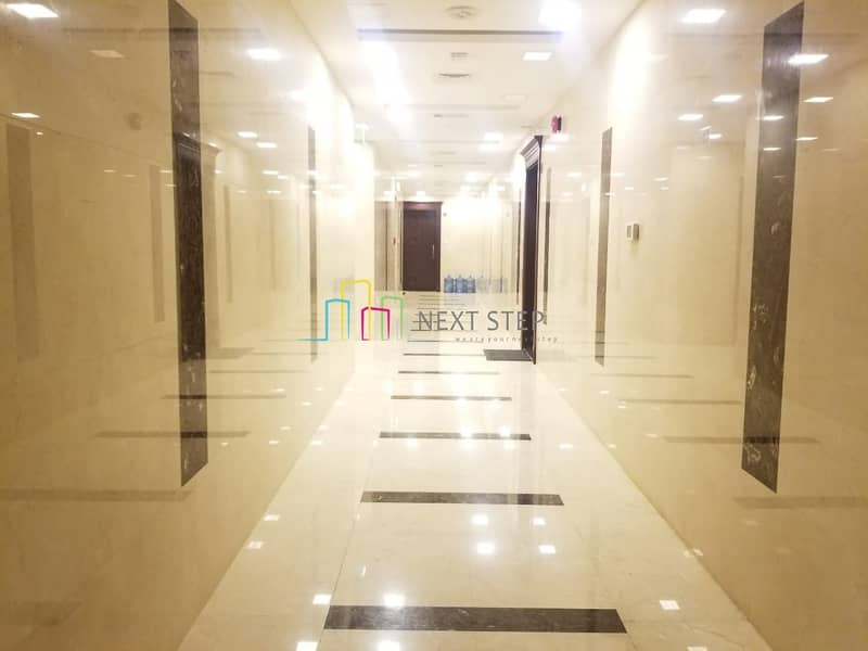 2 Basement Parking!!! 3 BHK with Maidsroom For 95K (4 Payments)