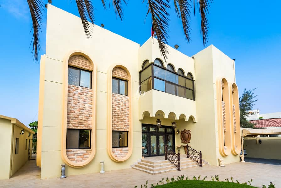 Classic Jumeirah Villa | Available Now for Viewing