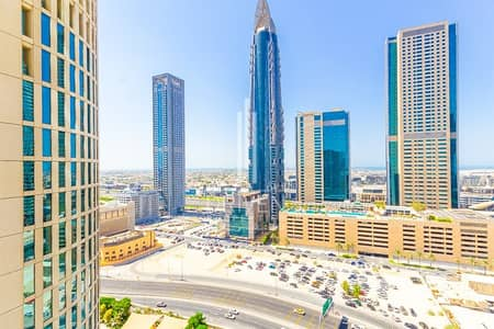 2 Bedroom Flat for Sale in Downtown Dubai, Dubai - Vacant and Huge| Top Floor with Sea View