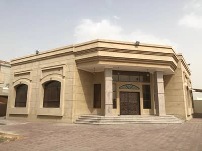 4 Bedroom Villa for Rent in Nad Al Sheba, Dubai - 4 Bedroom villa with Mulhaq in Nad al sheba 4. . !!
