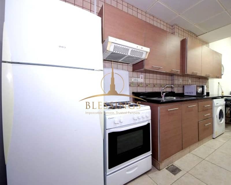 Kitchen Equipped Studio with Balcony