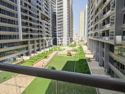 فلیٹ 2 غرفة نوم للايجار في دبي لاند، دبي - Garden Facing 2 BR Apt For Rent in Skycourts