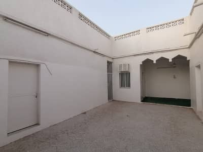 3 Bedroom Villa for Rent in Al Sabkha, Sharjah - 3 BHK Villa with majlis, window A/C, 3 bathrooms, kitchen and open area in Sabkha