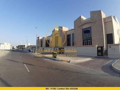 فیلا 5 غرفة نوم للايجار في مدينة زايد الرياضية، أبوظبي - فيلا مميزه على زاويه للايجار في وسط قلب مدينة أبوظبي قرب مسجد الشيخ زايد الكبير،