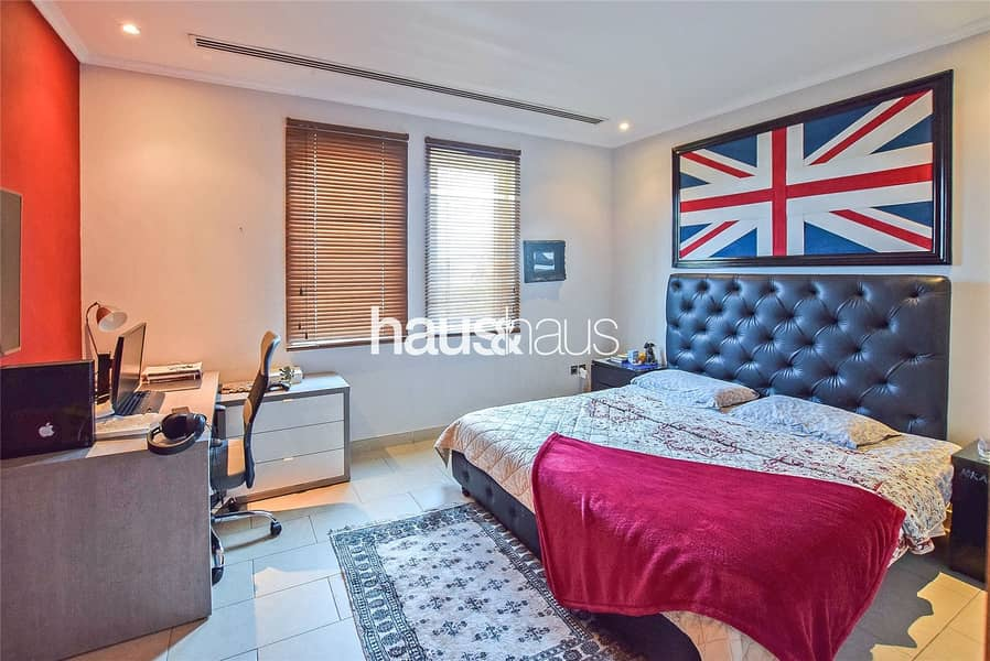 10 Exclusive   4 bedrooms   Excellent Condition