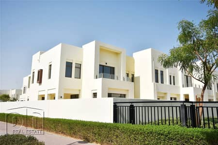 4 Bedroom Villa for Sale in Reem, Dubai - On the pool and park