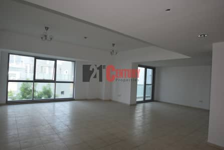3 Bedroom Flat for Rent in Business Bay, Dubai - Great Layout!  3BR+Maid ! Executive Towers