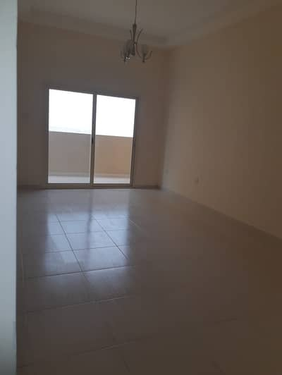شقة 1 غرفة نوم للبيع في مدينة الإمارات، عجمان - شقة في برج الزنبق مدينة الإمارات 1 غرف 180000 درهم - 4330092