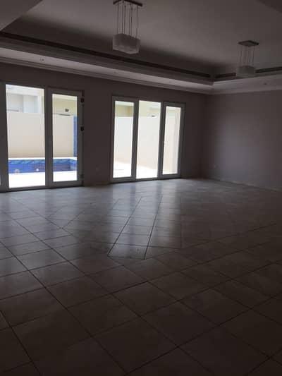 فیلا 4 غرفة نوم للايجار في البرشاء، دبي - فیلا في البرشاء 1 البرشاء 4 غرف 160000 درهم - 4329259