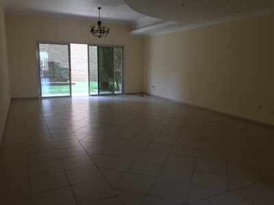 فیلا 3 غرفة نوم للايجار في البرشاء، دبي - فیلا في البرشاء 1 البرشاء 3 غرف 155000 درهم - 4329319