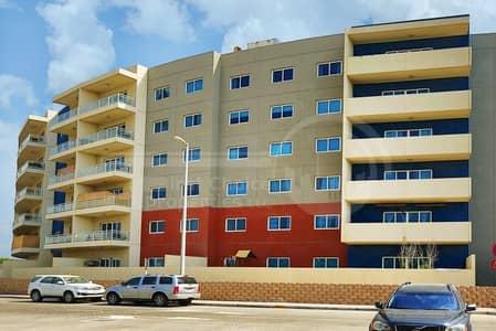 شقة 2 غرفة نوم للايجار في الريف، أبوظبي - Superb Pool View Apartment. 2 Payments!!
