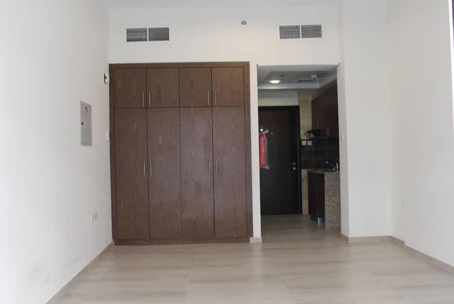 2 BEAUTIFUL STUDIO FOR RENT AVAILABLE NEAR EXPO VILLAGE.