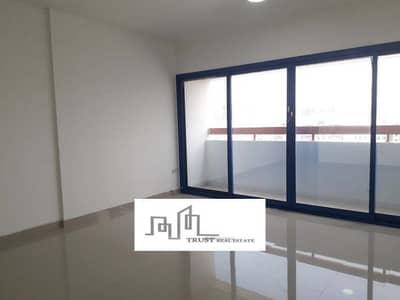 شقة 1 غرفة نوم للايجار في شارع المطار، أبوظبي - صفقة مذهلة   غرفة نوم واحدة مع دفع اختياري   طريق المطار ، أبوظبي متاح الآن