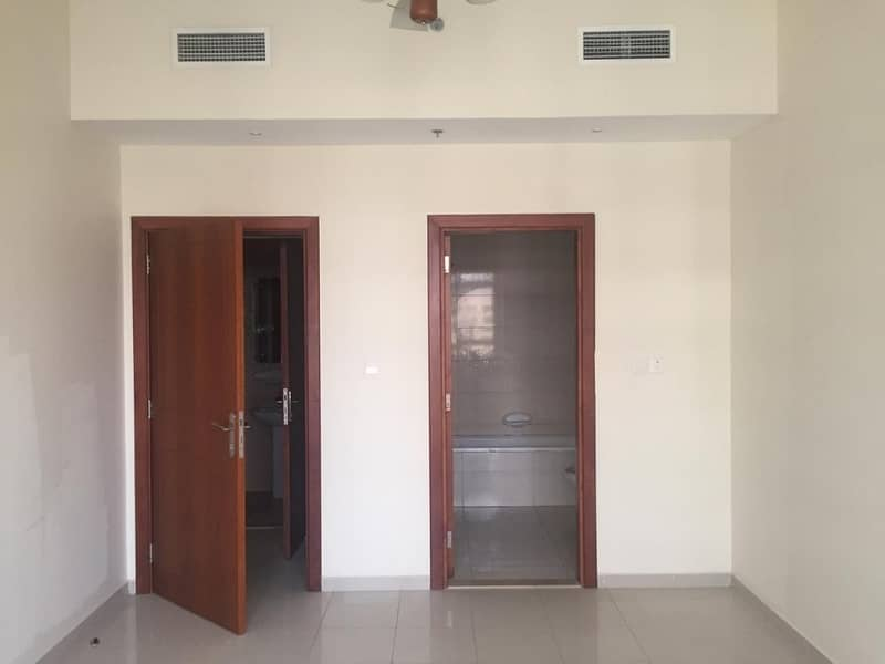 2 1 BR with semi closed kitchen