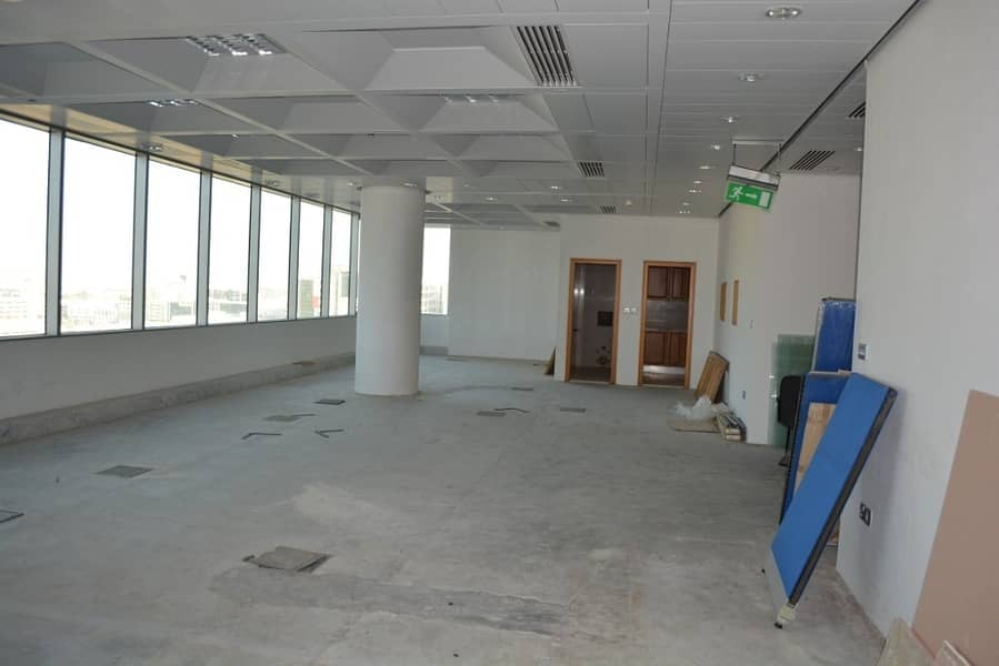2 Incomparably reduced rent and spacious office