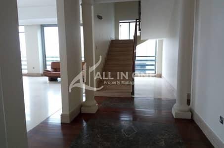 فلیٹ 4 غرفة نوم للايجار في شارع النجدة، أبوظبي - Elegant and Spacious! 4 BR Duplex with 2 Balconies