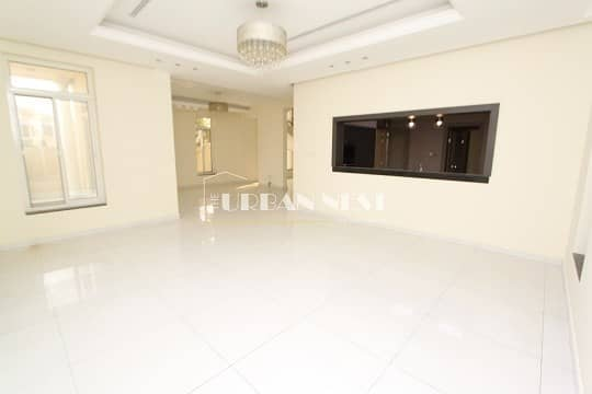 2 Vacant Contemporary 4 Bed Villa with Pool