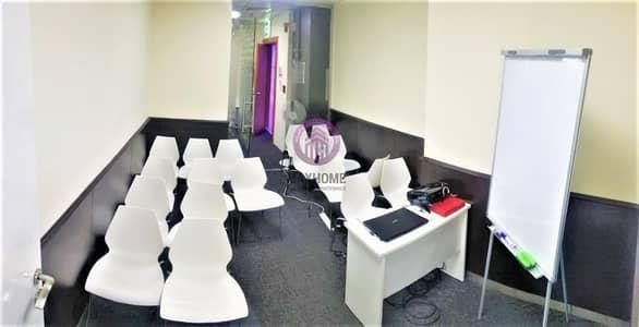مکتب  للايجار في الدانة، أبوظبي - Artistic & Luxurious Office for Rent