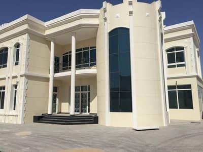 6 Bedroom Villa for Rent in Nad Al Sheba, Dubai - 5 Bed Room Brand new villa with good lush green environment